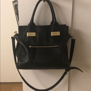 PERFECT bold black medium size Steve Madden bag